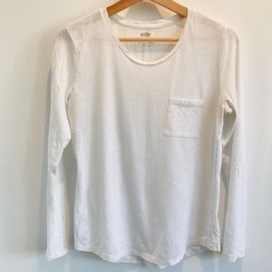 Old Navy white long sleeve t-shirt M